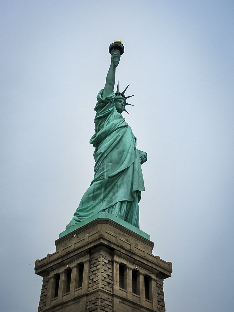 travelling tale ing the statue of liberty in new york i can appreciate that the statue of liberty not be everyone s cup of tea but for me it was a must see sight in new york and i am so glad