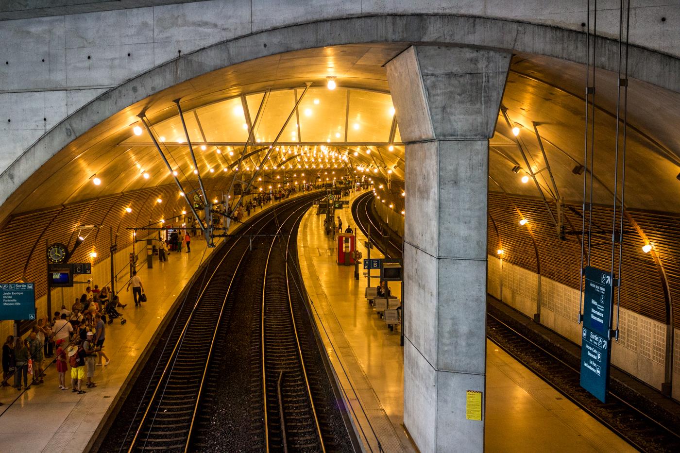 monte carlo casino to train station